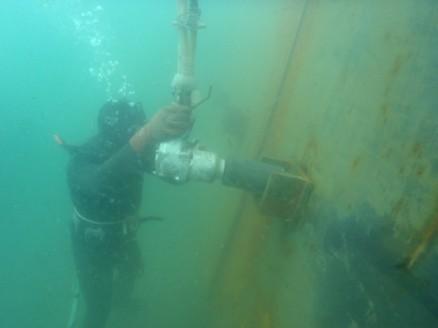 KW-4500PHI水中エアーインパクトレンチ2